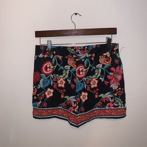 by by black multicolored high waist shorts size M